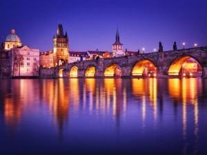 Tury_v_Czehiyu_Karlov_most_Praga